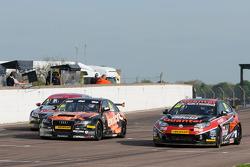 Marc Hynes, Quantel Bifold Racing et Rob Austin, Exocet Racing