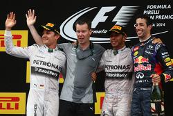 الفائز بالسباق: لويس هاميلتون، المركز الثاني: نيكو روزبرغ، المركز الثالث: دانيال ريكاردو
