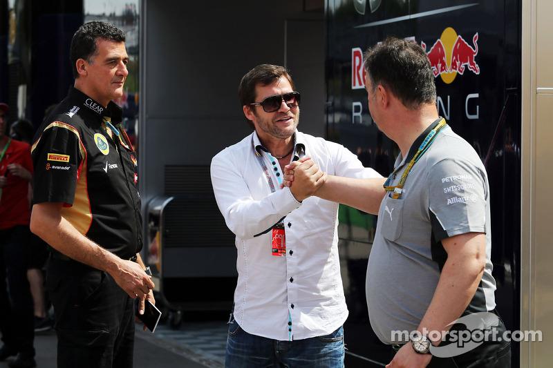 (Soldan Sağa): Federico Gastaldi, Lotus F1 Takımı Yardımcı Takım Patronu ve Steve Robertson, Pilot M