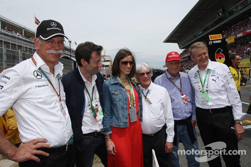 Dr. Dieter Zetsche, Bernie Ecclestone, and Niki Lauda, Mercedes Non-Executive Chairman on the grid
