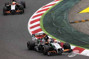 Nico Hulkenberg, Sahara Force India F1 VJM07 leads team mate Sergio Perez, Sahara Force India F1 VJM07