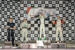 Podium: Ganador, David Schumacher, Rasgaira Motorsports, segundo, Caio Collet, SILBERPFEIL Energy Dubai, tercero, William Alatalo, Mücke Motorsport