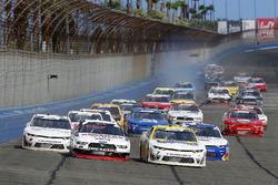 Justin Allgaier, JR Motorsports, Chevrolet Camaro Hellmann's and Joey Logano, Team Penske, Ford Mustang Discount Tire