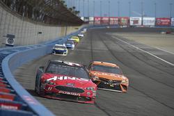 Kurt Busch, Stewart-Haas Racing, Ford Fusion Haas Automation/Monster Energy, Daniel Suarez, Joe Gibbs Racing, Toyota Camry ARRIS