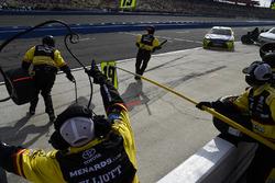 Brandon Jones, Joe Gibbs Racing, Toyota Camry Menards Jeld-Wen makes a pit stop