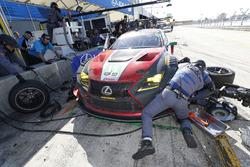 #15 3GT Racing Lexus RCF GT3, GTD: Jack Hawksworth, David Heinemeier Hansson, Sean Rayhall, pit stop, brakes