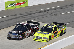 Harrison Burton, Kyle Busch Motorsports, Toyota Tundra DEX Imaging, Matt Crafton, ThorSport Racing, Ford F-150 Ideal Door/Menards