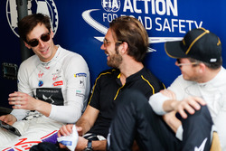 Alex Lynn, DS Virgin Racing, talks toJean-Eric Vergne, Techeetah, Andre Lotterer, Techeetah