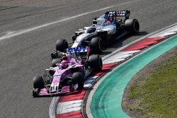 Esteban Ocon, Force India VJM11 y Sergio Pérez, Force India VJM11
