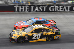 Erik Jones, Joe Gibbs Racing, Toyota Camry DeWalt, Darrell Wallace Jr., Richard Petty Motorsports, Chevrolet STP