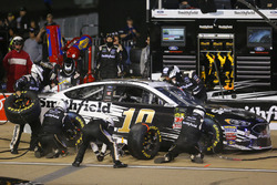 Aric Almirola, Stewart-Haas Racing, Ford Fusion Smithfield pit stop