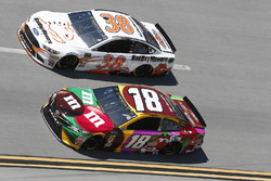 Kyle Busch, Joe Gibbs Racing, Toyota Camry M&M's Flavor Vote David Ragan, Front Row Motorsports, Ford Fusion Bad Boy Mowers