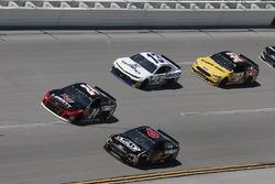 Trevor Bayne, Roush Fenway Racing, Ford Fusion AdvoCare, William Byron, Hendrick Motorsports, Chevrolet Camaro Liberty University