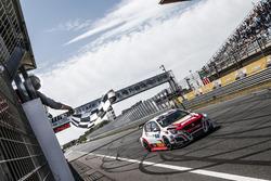 Ganador de la carrera Aurélien Comte, DG Sport Competition Peugeot 308TCR