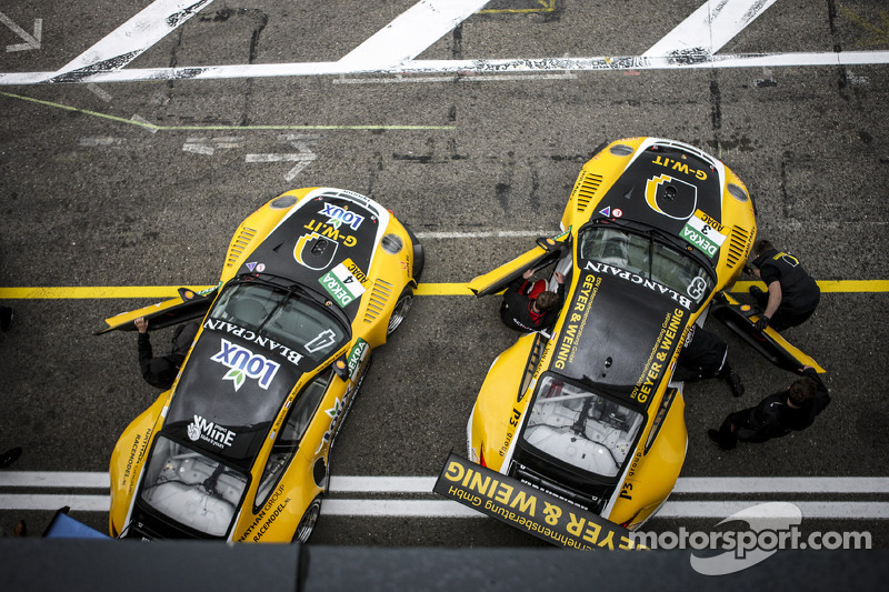 GW IT Racing Takımı Schötz Motorsport Porsche 911 GT3 R