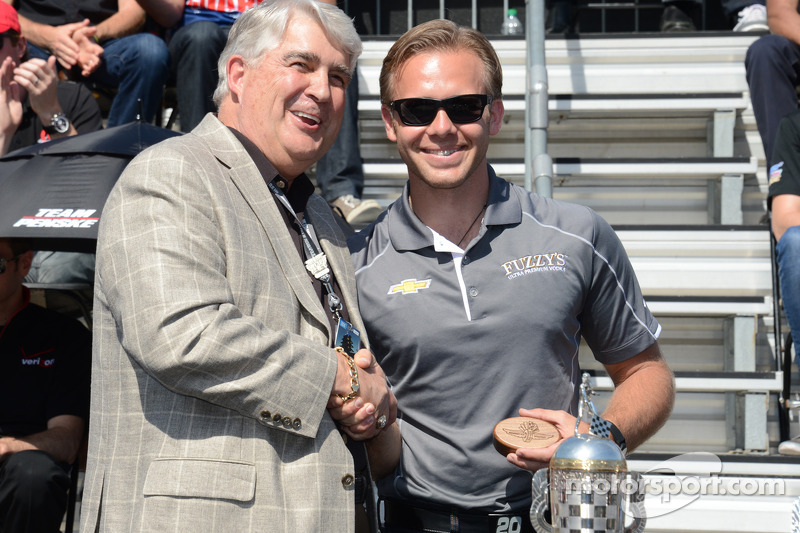Ed Carpenter gets his starter's ring