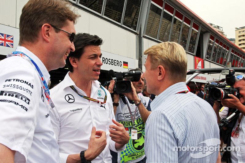 Toto Wolff, Mercedes AMG F1 Socio e direttore esecutivo con Mika Hakkinen