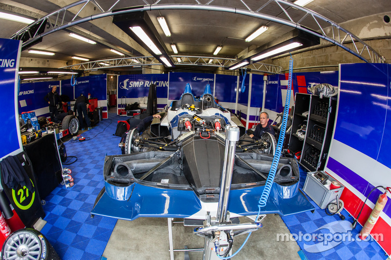 #27 SMP Racing Oreca 03 - 日产