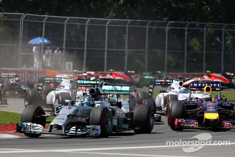Arrancada Nico Rosberg, Mercedes AMG F1 Team y Lewis Hamilton, Mercedes AMG F1 Team  08