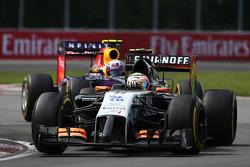 Sergio Perez, Sahara Force India F1 VJM07; Daniel Ricciardo, Red Bull Racing RB10