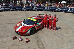 #61 AF Corse Ferrari 458 İtalya: Luis Perez-Companc, Marco Cioci, Mirko Venturi
