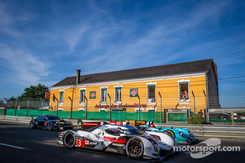 #3 Audi Sport Team Joest Audi R18 E-Tron Quattro: Filipe Albuquerque, Marco Bonanomi, Oliver Jarvis,