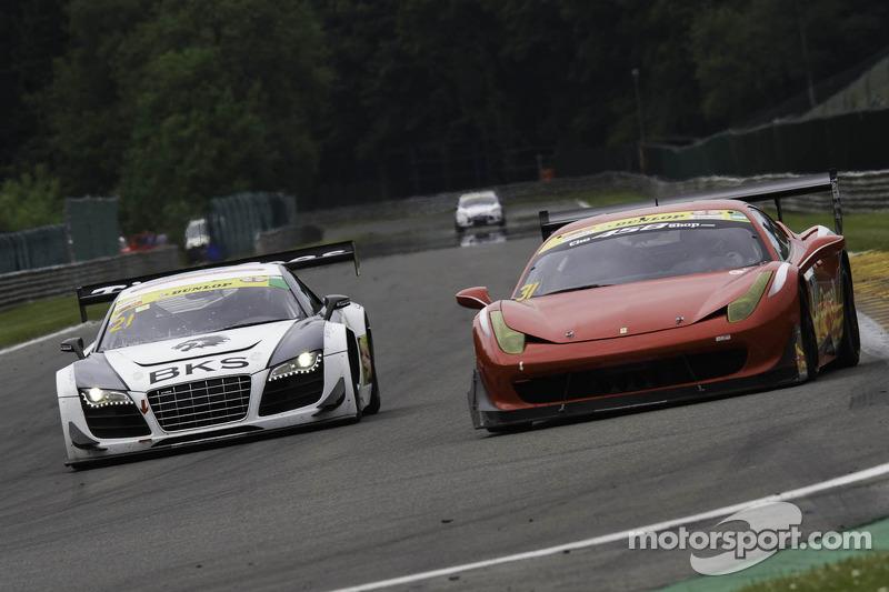 #21 Bamd Ferrari 458 Challenge: Darren Nelson, Nigel Greensall #21 Simpson Motorsport Audi R8 LMS GT