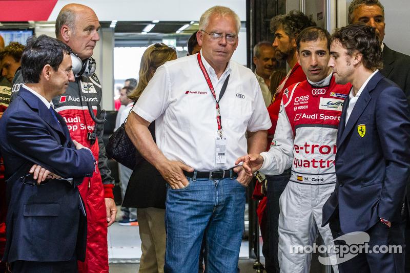 Pierre Fillon, el Dr. Wolfgang Ullrich, del grupo Volkswagen, el Técnico Oficial de Group Audi Dr. U