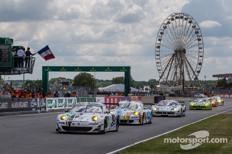 Fernando Alonso gives the start: #79 Prospeed Competition Porsche 911 GT3 RSR (997): Cooper MacNeil, Jeroen Bleekemolen