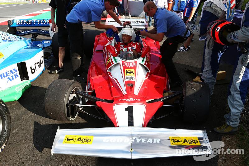 Niki Lauda, Presidente Mercedes non esecutivo si riunisce alla sua Ferrari 312T2