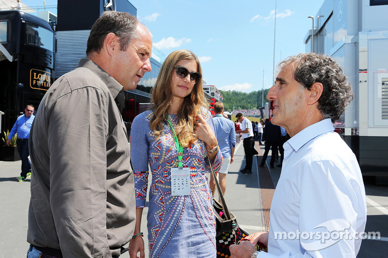 Gerhard Berger e la sua ragazza Helene con Alain Prost (FRA)