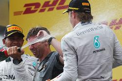Podium: 2. Lewis Hamilton, Mercedes AMG F1; Nico Rosberg, Mercedes AMG F1
