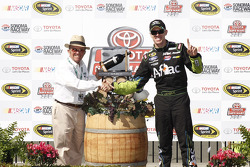 Sieger Carl Edwards, Roush Fenway Racing, Ford, mit Jack Roush
