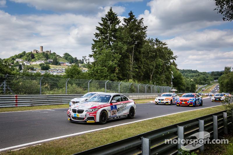 Via: #314 Sorg Rennsport BMW M235i Racing: Friedhelm Mihm, Heiko Eichenberg, Thomas Jäger