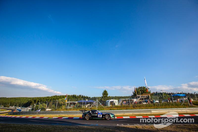 #14 Black Falcon 梅赛德斯-奔驰 SLS AMG GT3: 阿卜杜拉兹·阿尔费萨尔, 胡贝·豪普特, 亚当·克里斯托杜卢, 耶莫·布曼