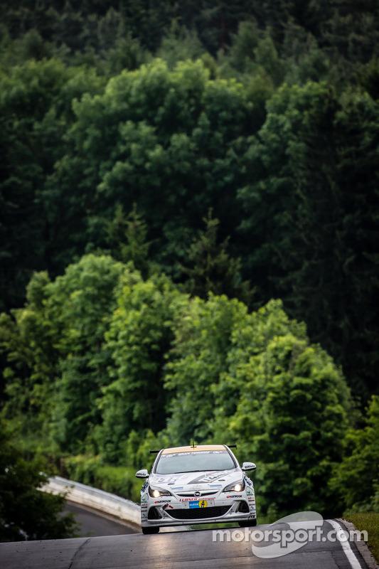 #251 Lubner Etkinliği & Motorsport Opel Astra OPC Kupası: Axel Jahn, Juha Karjalainen, Sepo Hunt, Al