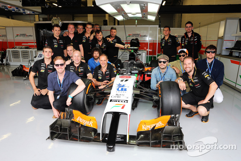 The Kaiser Chiefs with the Sahara Force India F1 Team