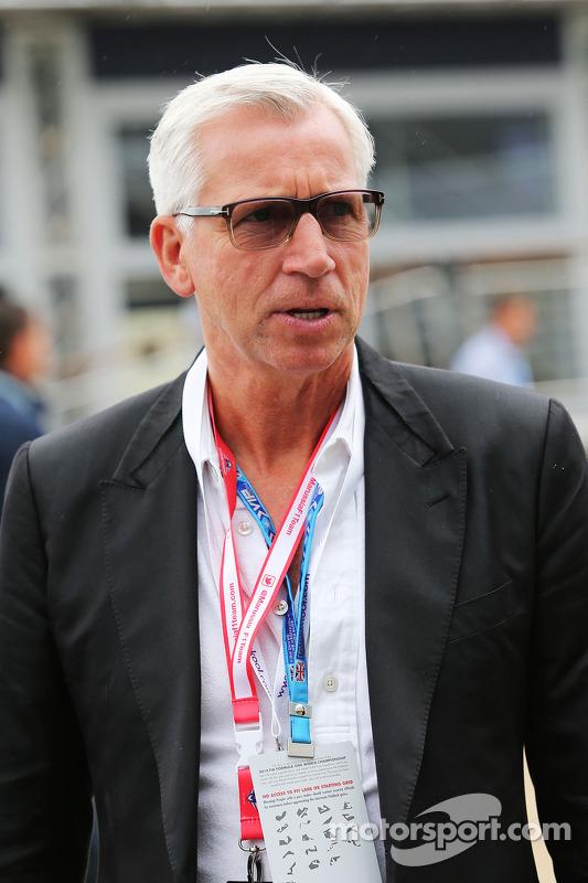 Alan Pardew, gerente do Newcastle FC