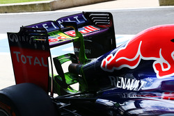 Red Bull Racing RB10 running flow-vis paint on the rear wing