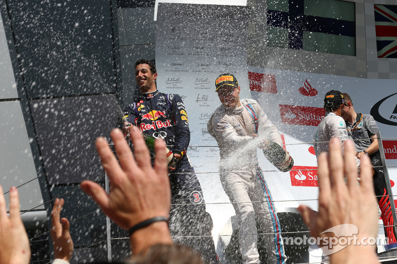 Daniel Ricciardo, Red Bull Racing RB10 ve Valtteri Bottas, Williams