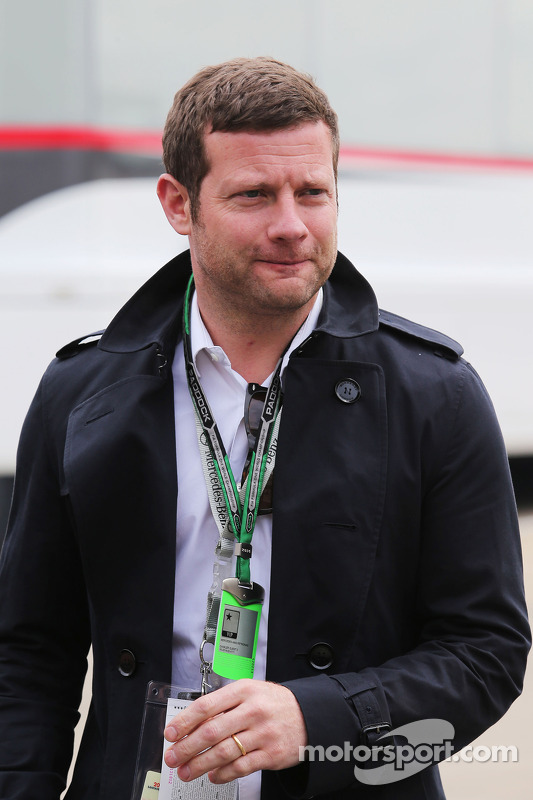 Dermot O'Leary, Radio and TV Presenter
