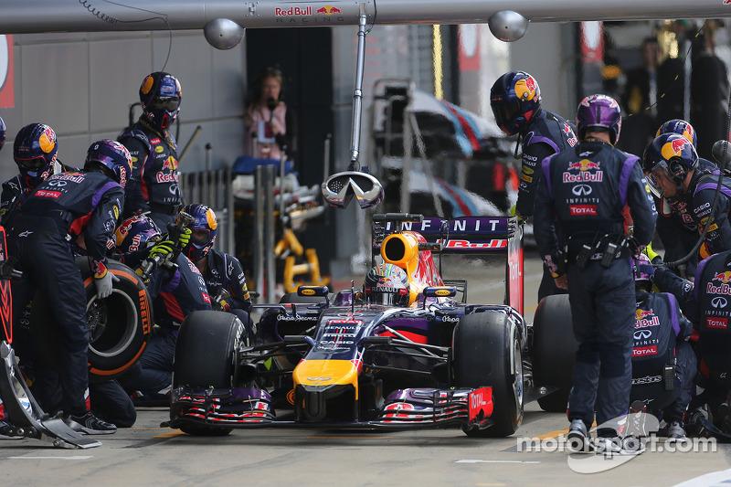 Boxenstopp: Sebastian Vettel, Red Bull Racing