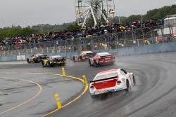 Oval racing in the rain