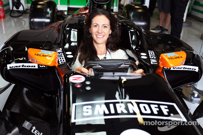 Hannah Bianco, Broadcaster, Marinaio e avventuriero, nella Sahara Force India F1 VJM07
