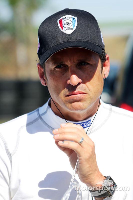 Patrick Dempsey competindo na corrida Porsche Supercup