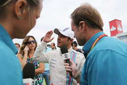 Bernie Ecclestone, on the grid with Rubens Barrichello