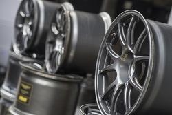 Aston Martin wheels