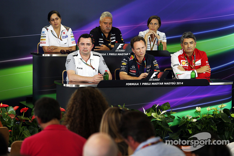 La conferenza stampa FIA, Sauber Team Principal; Dr. Vijay Mallya, proprietario Sahara Force India F1 Team; Claire Williams, Williams Vice Team Principal; Eric Boullier, Direttore McLaren Racing; Christian Horner, Red Bull Racing Team Principal; Marco Mat
