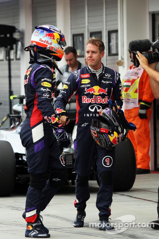 Daniel Ricciardo, Red Bull Racing ve takım arkadaşı Sebastian Vettel, Red Bull Racing sıralama turla