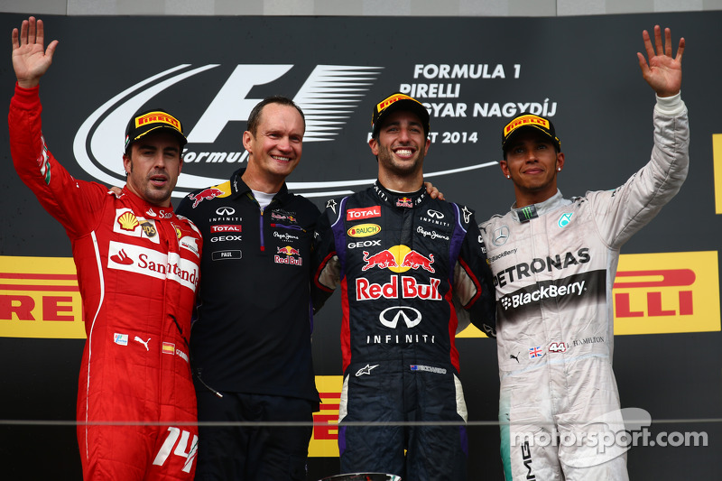 Fernando Alonso, Daniel Ricciardo and Lewis Hamilton on the podium